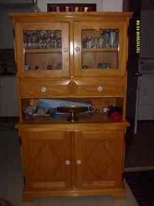 Ensemble de mobilier de salle à manger très propre, non fumeur Saguenay Saguenay-Lac-Saint-Jean image 3