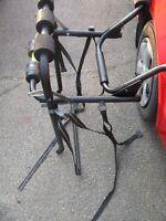 rack a vélo en métal tres solide pour fixé sur  lauto