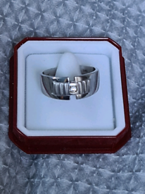 Mens 14ct solid white gold ring Size R. LIKE NEW