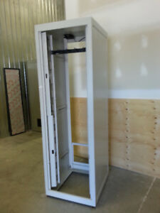 rack armoire audio ou informatique