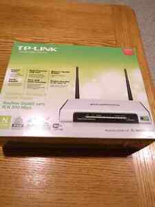 TP-Link Router 2.4GHZ 300Mbps Only $40 Firm!!!