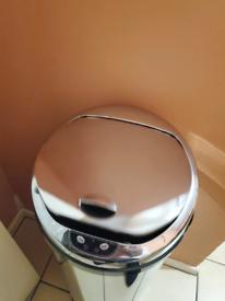 Chrome touch control bin