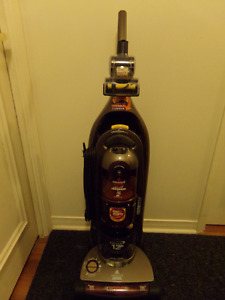 "BISSELL ""LIFT OFF"" BAGLESS  TURBO DELUXE UPRIGHT PET VACUUM"