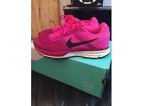 Nike Pegasus pink uk 5