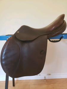 17 Inch CWD English Saddle