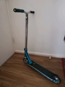 Lucky Custome Pro scooter