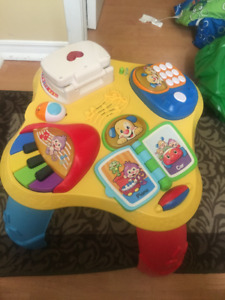 Fisher Price Learning Table (French/English)
