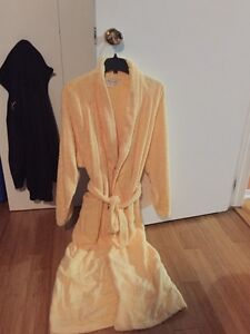 Robe for women size Small/Medium (15$)