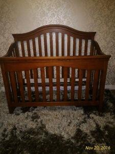 Convertible Baby Crib/Child Bed