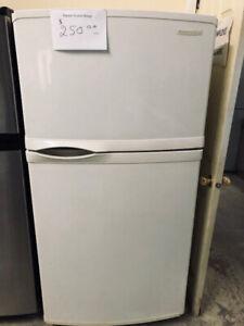 Réfrigérateur blanc Kitchen Aid standard