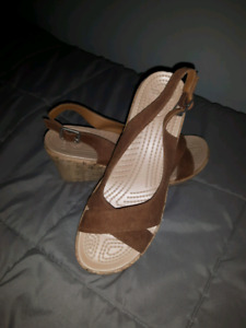 New Crocs Cork Wedge Sandal Size 10W