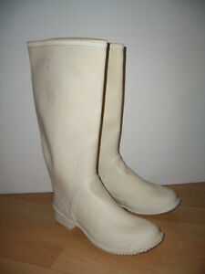 """"" ACTON """" NEW  light rubber boots  --- size 8-9 US lady"