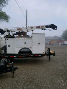 Service body with crane