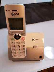 2 AT&T cordless phones 20$ West Island Greater Montréal image 1