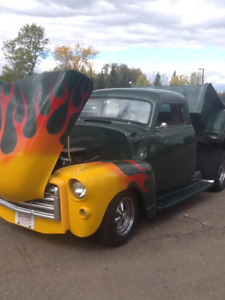 1952 GMC CHOPPED AND PROSTREET