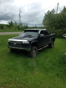 Parting out 2002 Chev Silverado 1500 LS Extended Cab 4x4
