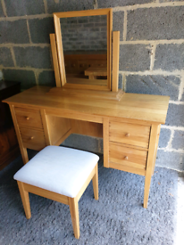 Willis & Gambier Oak Dressing Table set from John Lewis