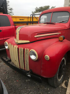 1947 Ford 2 ton Grain truck