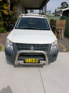 2008 holden rodeo with lockable toolboxes