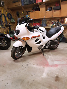 Mint 2004 gsxf750 low milage to trade for dirtbike