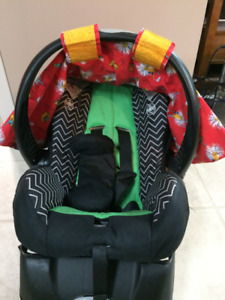 Bucket style infant car seat with cover