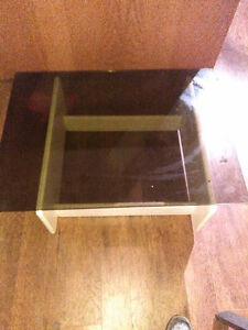 Coffee table. And stools for sale must sell because of moving Kitchener / Waterloo Kitchener Area image 3