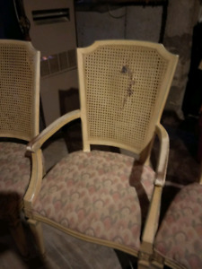 FREE 4 CHAIRS one is damaged