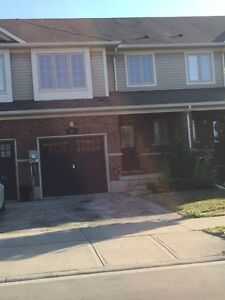 Freehold Townhouse - Binbrook