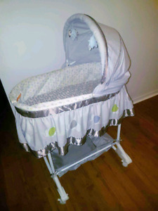 2 in 1 Bassinet/rocker