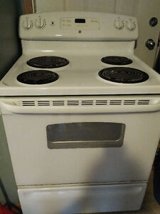 Electric stove for sale in Excellent condition