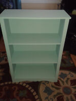 BOOK SHELF PERFECT FOR STUDENTS