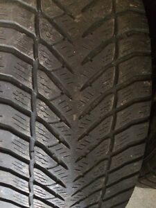 Set of 4 mint Mercedes 17 inch rims with tires Kitchener / Waterloo Kitchener Area image 2
