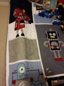 Pottery Barn Robot TWIN Quilt with two pillow Shams