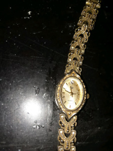 Vintage womans watch...small diamond for 12