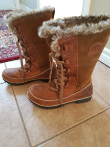 Ladies Sorel Winter Boots