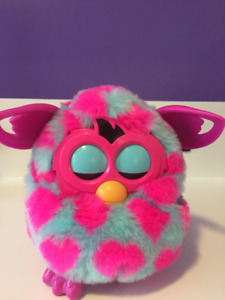 AMAZING CONDITION - FURBY BOOM HEART PATTERN - NEVER USED FURBY