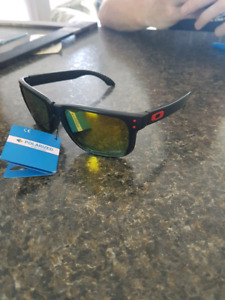 Brand new polarized oakley Holbrook sunglasses