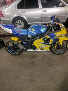 2004 Suzuki GSX-R 600 Corona Style Bike. To Many Mods