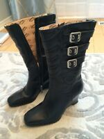 Woman's motorcycle boots size - 6