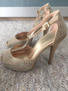 GOLD heels / pumps / Shoes