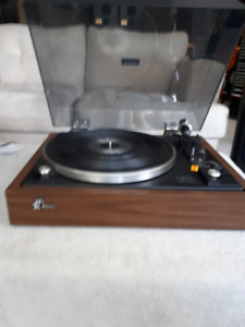 Sansui SR 212 Turntable. VINTAGE. Pristine condition