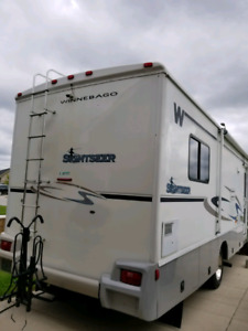 2006 Winnabago Sightseer 30