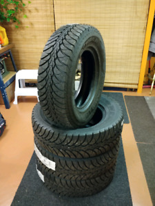 Pneus d'hiver neuf 225/70r16 good year ultra grip Ice