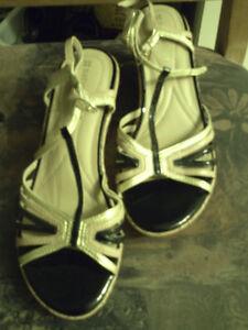 A donner sandale , soulier de marque naturalizer N5 comfort