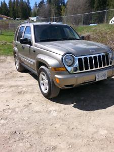 Jeep liberty 134kms, full load, clean 4x4