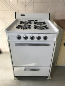 "Tappan Gas Range Stove Oven 24"" Like New WHITE"