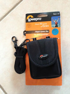 NEW LOWEPRO DIGITAL CAMERA CASE