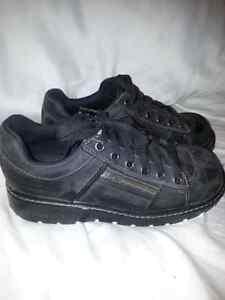 Skechers size 8.5