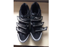 Size 8.5 cycling shoes