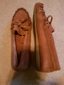 Moccasins Size 6 Giles and Bruce